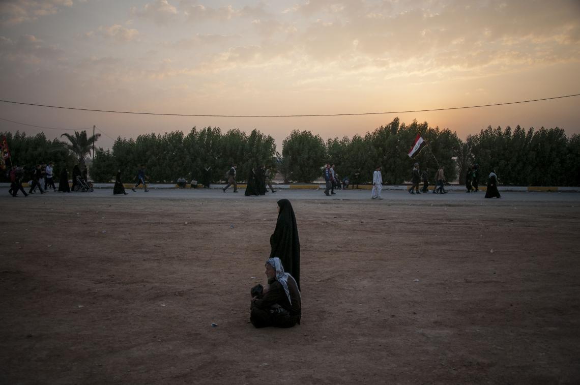 سوگواره چهارم-عکس 6-حامد ایلخان-پیاده روی اربعین از نجف تا کربلا