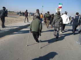 سوگواره دوم-عکس 6-علی محمودی راد-پیاده روی اربعین از نجف تا کربلا
