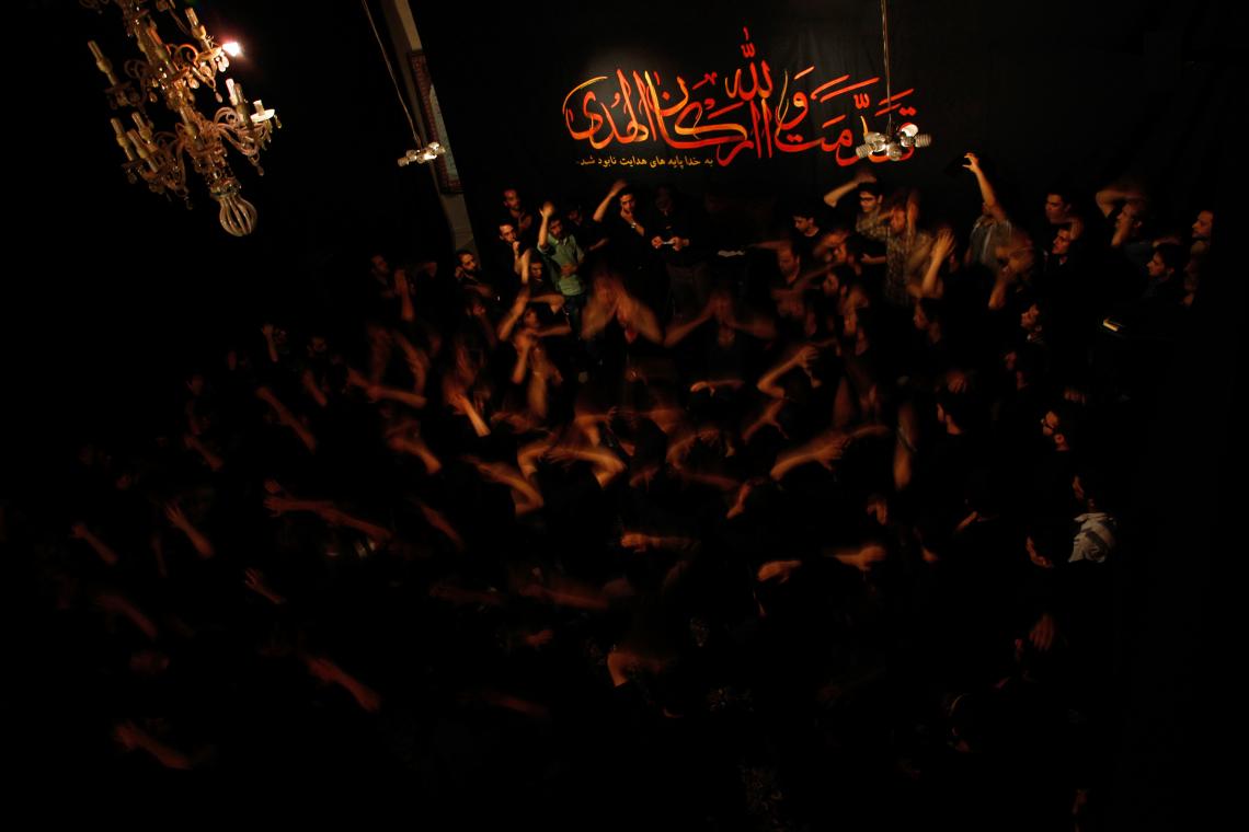 سوگواره سوم-عکس 2-احمد حسنی-جلسه هیأت فضای داخلی