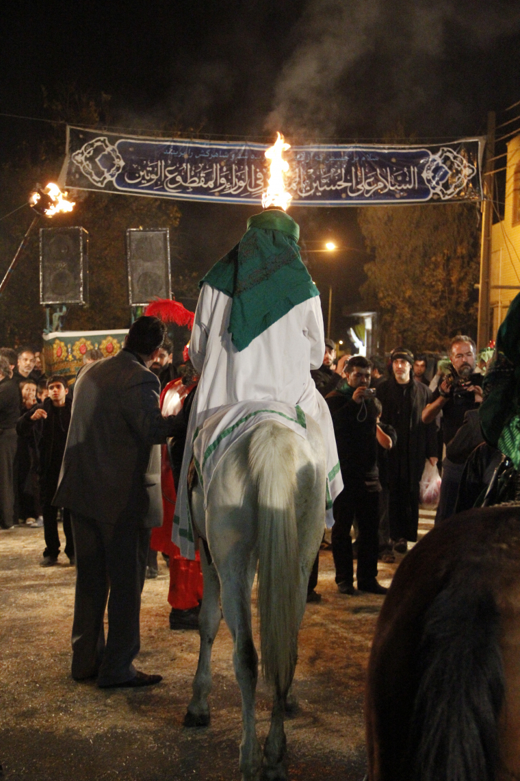 سوگواره دوم-عکس 20-علی ناصری-جلسه هیأت فضای داخلی