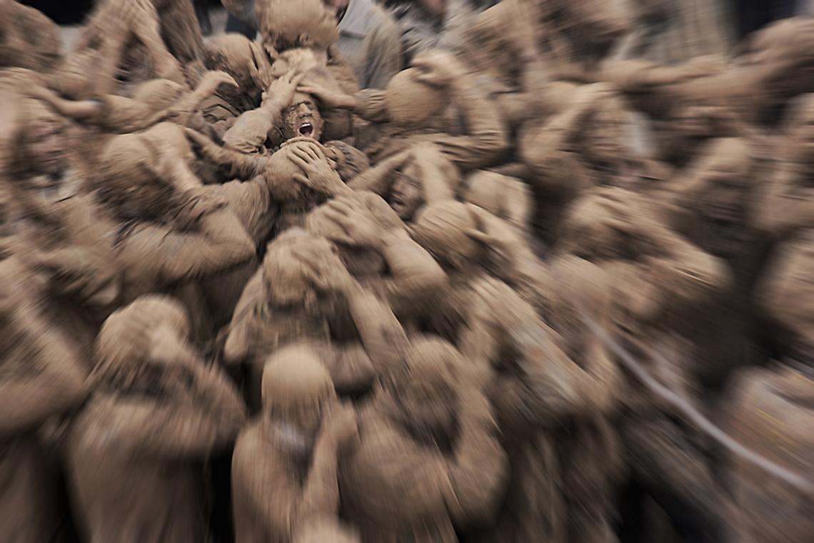 سوگواره دوم-عکس 6-حسین ملکی-جلسه هیأت فضای داخلی