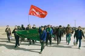 سوگواره سوم-عکس 169-علی ناصری-پیاده روی اربعین از نجف تا کربلا