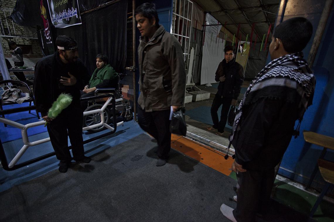 سوگواره دوم-عکس 3-عبدالحسین بدرلو-جلسه هیأت فضای بیرونی