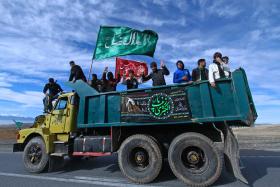 سوگواره سوم-عکس 2-امیر حسامی نزاد-پیاده روی اربعین از نجف تا کربلا