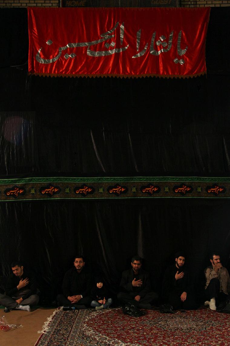 سوگواره چهارم-عکس 55-عبدالحسین بدرلو-جلسه هیأت فضای داخلی