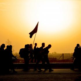 سوگواره پنجم-عکس 8-رضوان معاویان بریچه-پیاده روی اربعین از نجف تا کربلا