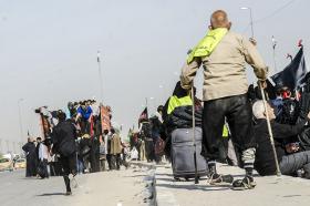سوگواره سوم-عکس 42-محمدامین غفاری-پیاده روی اربعین از نجف تا کربلا