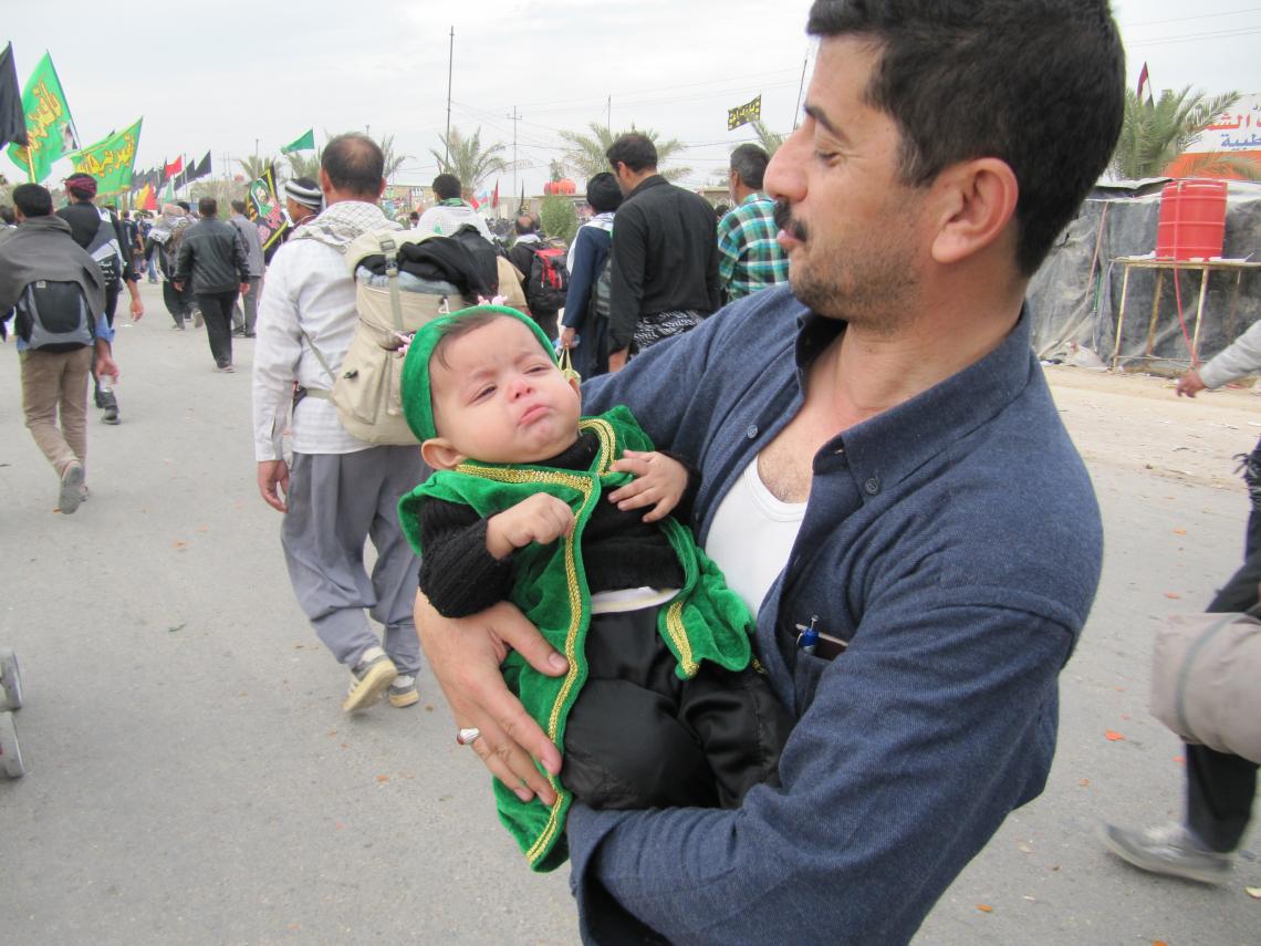 سوگواره سوم-عکس 4-محمدرضا زندشهری قمی-پیاده روی اربعین از نجف تا کربلا