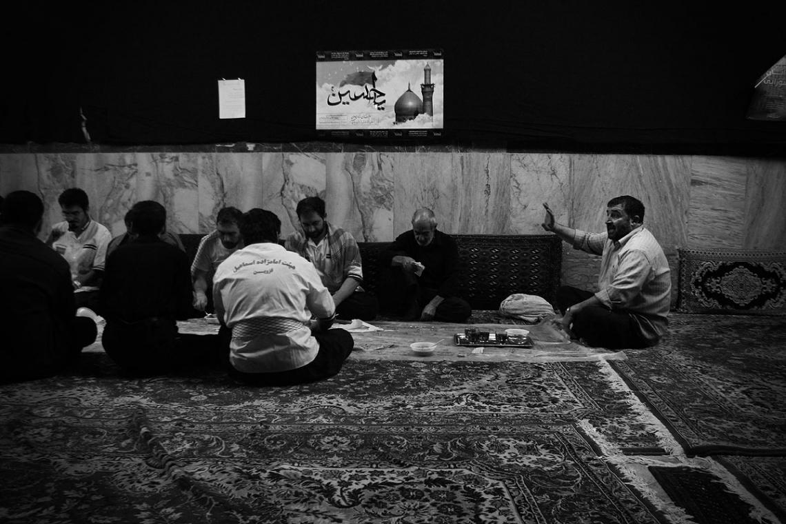 سوگواره پنجم-عکس 11-عرفان دادخواه کوچکی-جلسه هیأت فضای بیرونی