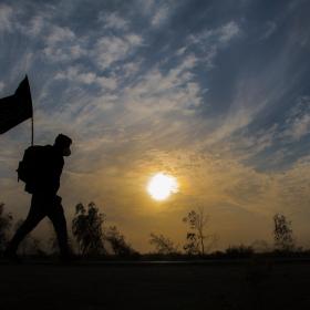 سوگواره پنجم-عکس 4-عباس مشهدی آقایی-پیاده روی اربعین از نجف تا کربلا