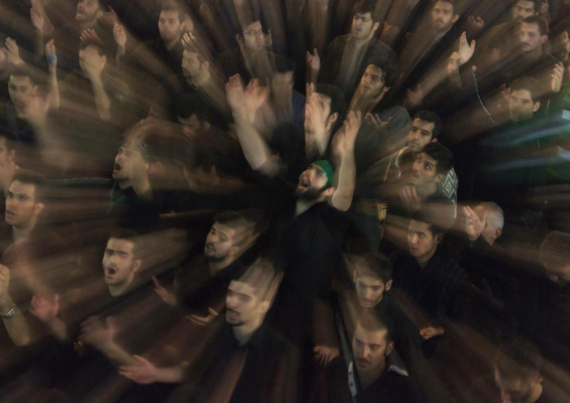 سوگواره دوم-عکس 9-محمد رضا غفاری-جلسه هیأت فضای بیرونی
