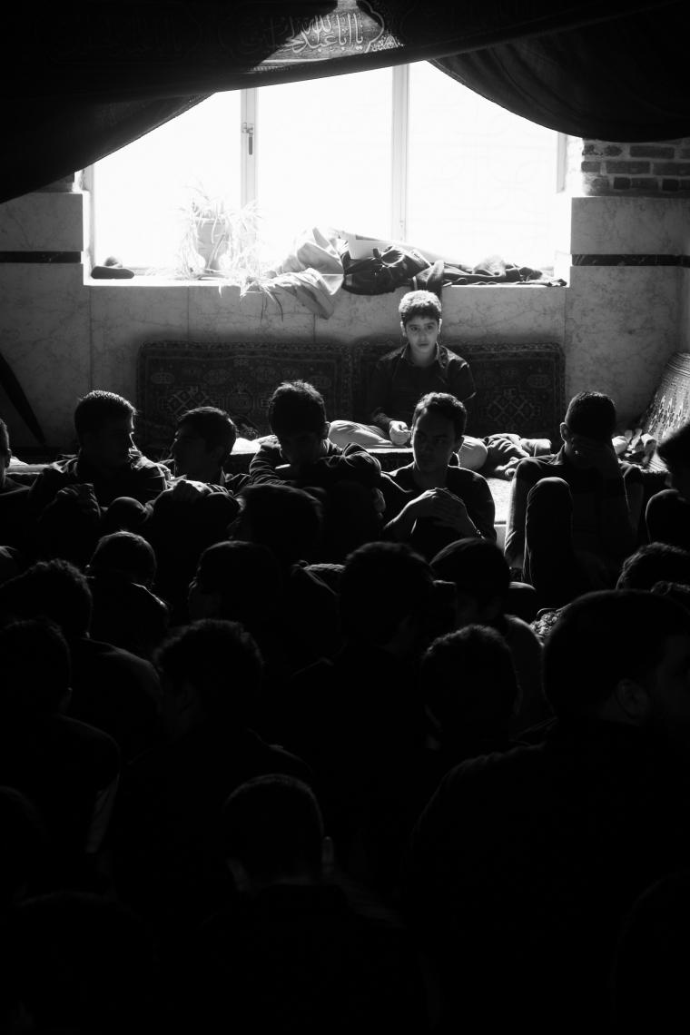 سوگواره سوم-عکس 4-محمدمهدی فتحی-جلسه هیأت فضای داخلی