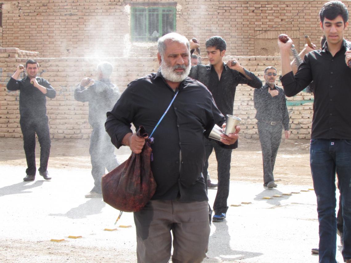 سوگواره چهارم-عکس 9-محمد صابر نژاد شاهرخ ابادی-آیین های عزاداری