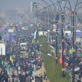 سوگواره پنجم-عکس 76-مهرداد  حسنی-پیاده روی اربعین از نجف تا کربلا