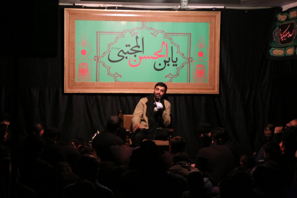 سوگواره چهارم-عکس 12-بهمن علی بخشی -جلسه هیأت فضای داخلی