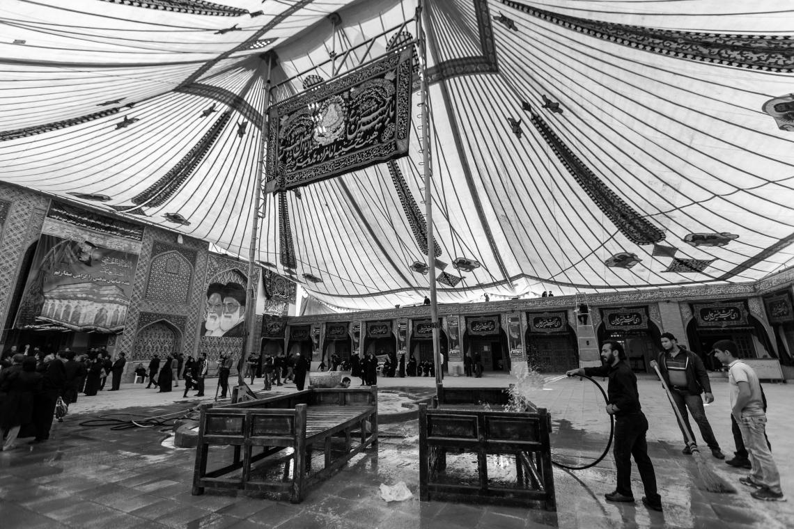 سوگواره پنجم-عکس 62-مجید حجتی-جلسه هیأت فضای بیرونی