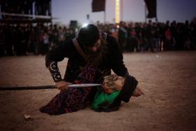 سوگواره سوم-عکس 18-حسین استوار -آیین های عزاداری
