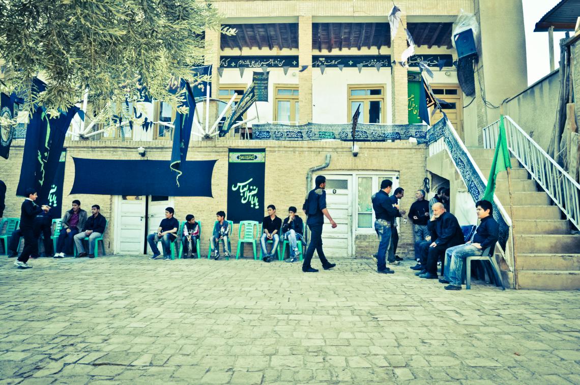 سوگواره دوم-عکس 26-امیر حسین علیداقی-جلسه هیأت فضای بیرونی