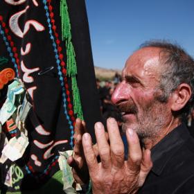 فراخوان ششمین سوگواره عاشورایی عکس هیأت-معصومه  فریبرزی-بخش اصلی -جلسه هیأت