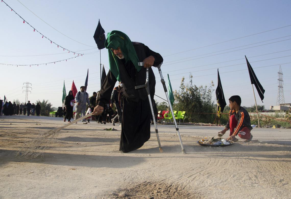 سوگواره پنجم-عکس 19-جابر غلامی-پیاده روی اربعین از نجف تا کربلا