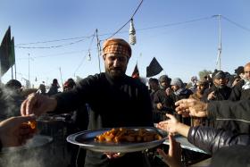 سوگواره دوم-عکس 10-فاطمه عابدی-پیاده روی اربعین از نجف تا کربلا
