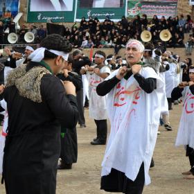 فراخوان ششمین سوگواره عاشورایی عکس هیأت-احمد هاشمیان-بخش اصلی -جلسه هیأت