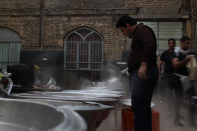 سوگواره چهارم-عکس 8-حسین دیواندری-جلسه هیأت فضای بیرونی