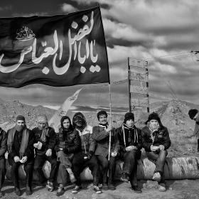 سوگواره چهارم-عکس 4-عطا رنجبر زیدانلو-پیاده روی اربعین از نجف تا کربلا