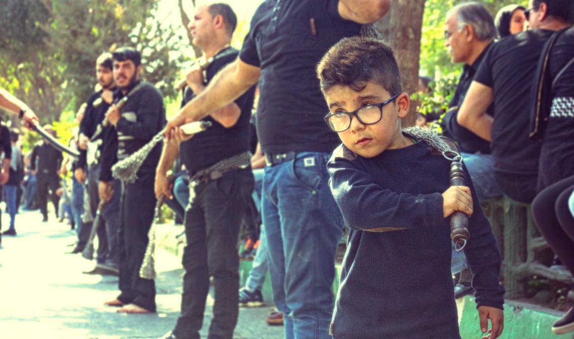 سوگواره پنجم-عکس 30-افشین محمدی-جلسه هیأت فضای بیرونی