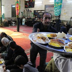 سوگواره چهارم-عکس 49-احمدرضا کریمی-جلسه هیأت فضای بیرونی