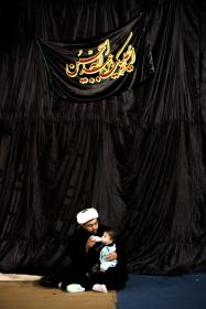 سوگواره دوم-عکس 11-محمد جواد پژوهنده-جلسه هیأت فضای داخلی