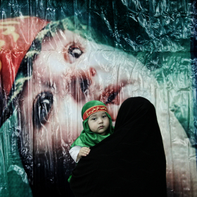 سوگواره چهارم-عکس 19-سمانه شیرازی-جلسه هیأت فضای بیرونی