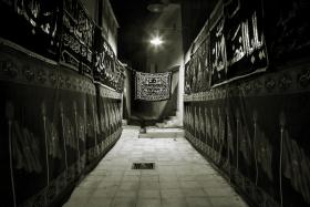 دومین سوگواره عاشورایی عکس هیأت-علی  حسن زاده-بخش اصلی -جلسه هیأت-فضای بیرونی جلسه هیأت