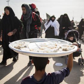 سوگواره چهارم-عکس 5-حمید ارونقی-پیاده روی اربعین از نجف تا کربلا
