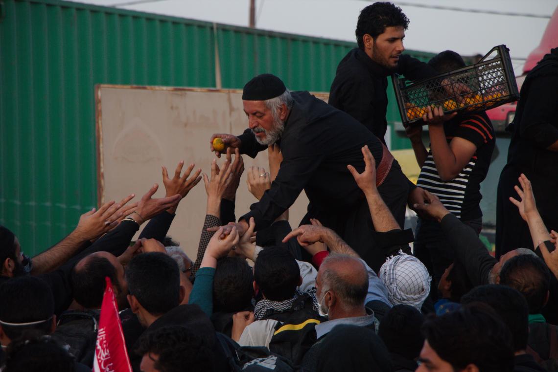 سوگواره پنجم-عکس 15-علی اصغر جمشیدزاده لرده-پیاده روی اربعین از نجف تا کربلا