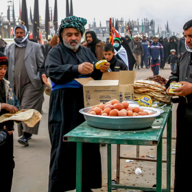 سوگواره چهارم-عکس 12-مجید حجتی-پیاده روی اربعین از نجف تا کربلا